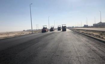 بلدية الخفجي تستكمل مشروع سفلتة طريق الملك سلمان وإنشاء دوار يربطه بشارعي الملك سعود وعمر بن خطاب