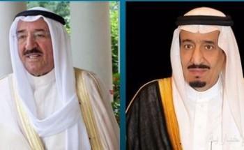 خادم الحرمين الشريفين يهنئ أمير الكويت بنجاح العملية الجراحية التي أجريت لسموه
