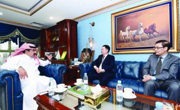 العجلان يلتقي عدداً من السفراء في المملكة لتعزيز التعاون المشترك
