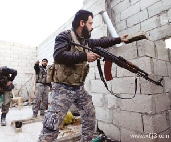 """الجيش الحر"""" يتوعد بقصف قواعد """"حزب الله"""" في لبنان"""