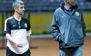 """""""اتحاد القدم"""" يستنجد بخبرات عربية وأجنبية"""
