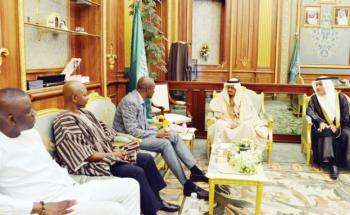 نائب الشورى يبحث تعزيز العلاقات البرلمانية مع الوفد الغاني