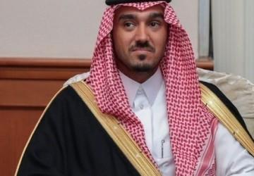 وزير الرياضة يطمئن على الفرق السعودية.. ونجوم الهلال المصابين