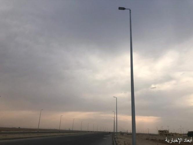 بلدية الخفجي: تركيب 120 عمود إنارة بطريق الجامعة الجديد