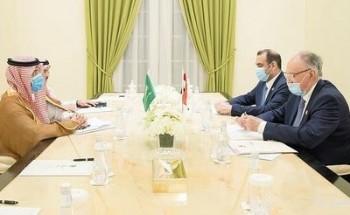 وزير المالية يلتقي بوزيري المالية والتخطيط العراقي