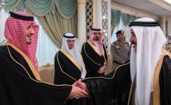 عبدالعزيز بن سعود يكرم متقاعدي وزارة الداخلية
