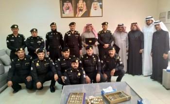 دوريات الأمن تكرم منسوبيها المتقاعدين