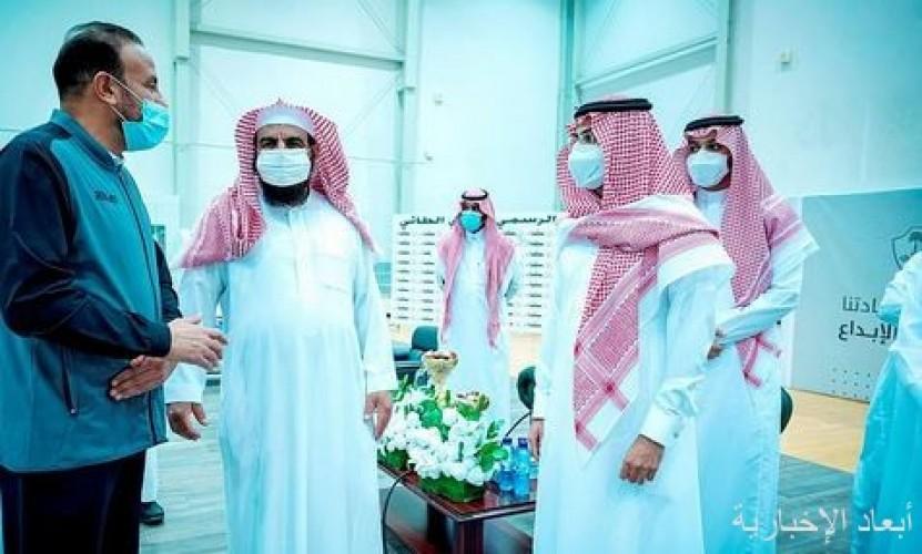 سمو نائب أمير منطقة حائل يزور مقر نادي الطائي