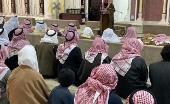 جموع المصلين يؤدون صلاة الاستسقاء بجامع الملك عبدالعزيز