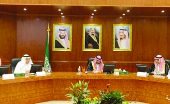 بدر بن سلطان يترأس اجتماع لجنة الحج ويستقبل أهالي مكة