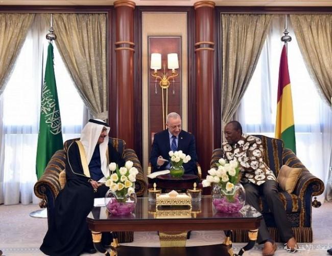  رئيس جمهورية غينيا يستقبل رئيس البنك الإسلامي للتنمية