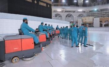 ادارة التطهير بالمسجد الحرام جهود متواصلة على مدار الاربع والعشرين ساعة