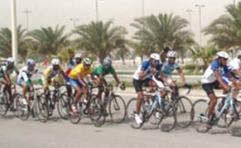 دراجو الإمارات يواصلون سيطرتهم في الدمام