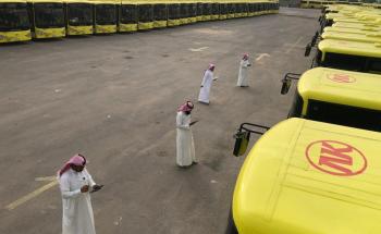 أسطول من 25 ألف حافلة لنقل طلاب 18 ألف مدرسة بمناطق المملكة