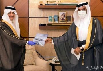 سمو أمير المنطقة الشرقية يلتقي مدير ميناء الملك عبدالعزيز بالدمام
