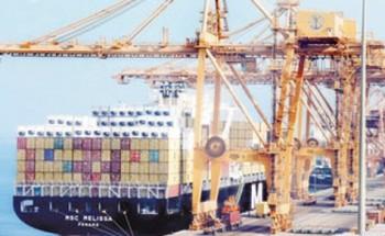 تراجع استيراد البضائع يخفف التكدس في ميناء الدمام