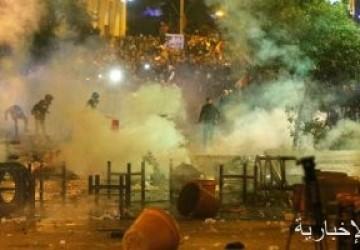 انسحاب معظم المتظاهرين من محيط البرلمان اللبنانى واستمرار إطلاق المفرقعات