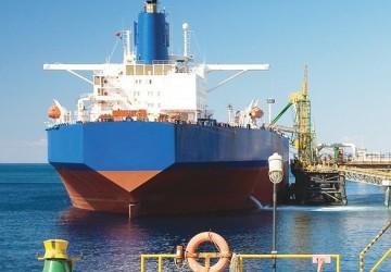 انخفاض شحنات المملكة النفطية لأميركا إلى أدنى مستوى مع الالتزام بخفض الإنتاج