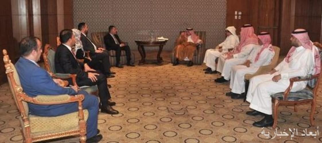 وزير الإعلام المُكَلّف وعضو مجلس المفوضين في هيئة الإعلام والاتصالات العراقي يبحثان تعزيز العلاقات الإعلامية