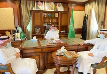 الهزاع يستقبل رئيس جامعة حفر الباطن