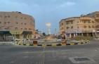 «بلدية الخفجي» تضع اللمسات الأخيرة لافتتاح دوار يربط وسط المحافظة بغربها