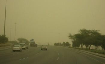 """""""الأرصاد"""": استمرار الرياح المُثيرة للأتربة والغبار على المنطقة الغربية"""