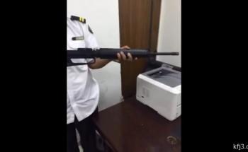 بالفيديو: جمرك الخفجي يضبط كمية كبيرة من الذخائر وعدد من الأسلحة
