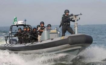 حرس الحدود : إجبار ثلاثة قوارب إيرانية على العودة بعد دخولها المياه السعودية
