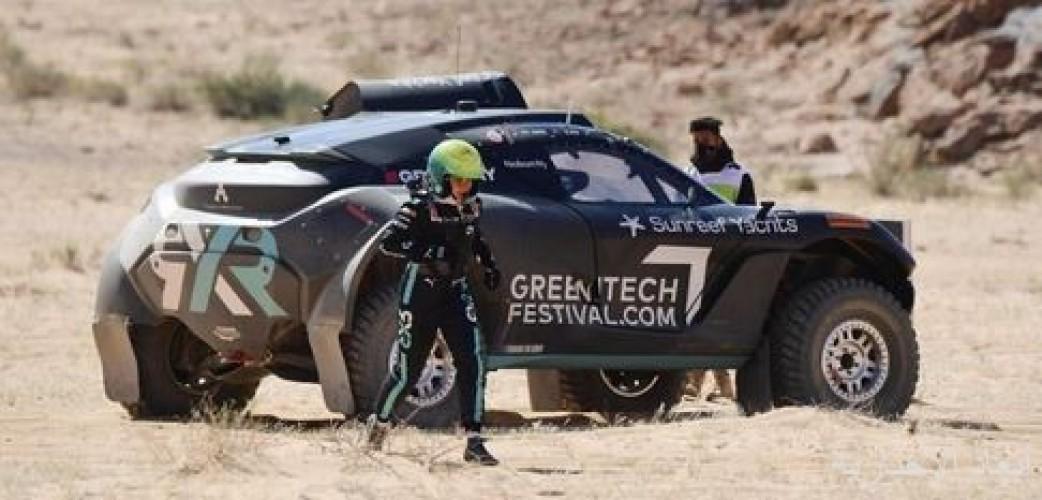 """فريق """"روزبيرغ إكس ريسينج"""" الألماني يتوَّج بلقب السباق الأول من سلسلة """"إكستريم إي"""" في العلا"""