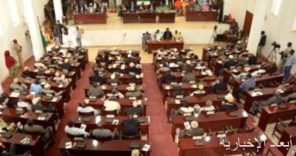 البرلمان الصومالي يقرر تمديد الفترة الرئاسية وإجراء الانتخابات خلال عامين