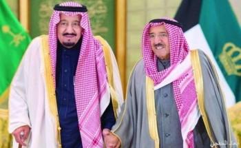 خادم الحرمين يهنئ أمير الكويت بعودته إلى بلاده