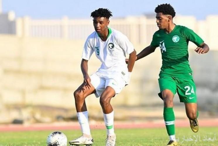 المنتخب السعودي تحت 20 يختتم معسكر جازان بمناورة بين الفريقين الأبيض والأخضر