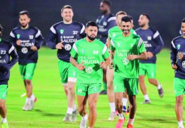 الإصابات تداهم لاعبي الأهلي في معسكر أبوظبي