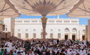 إمام المسجد النبوي يحذر من الإضرار بالناس