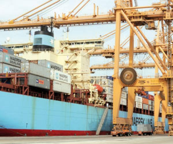 ساحة جديدة للبضائع للحد من التكدس في ميناء الدمام
