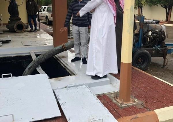 رئيس بلدية الخفجي يؤكد جاهزية محطة تصريف مياه الأمطار و نظافة مصائد الأمطار