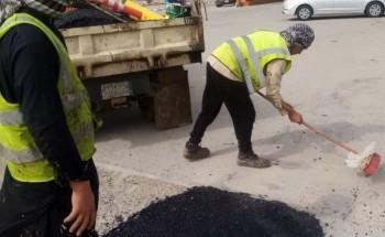بلدية الخفجي: صيانة شاملة للحفر داخل الأحياء والشوارع الرئيسية والفرعية
