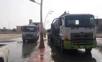 بلدية الخفجي تسحب أكثر من 48 ألف متر مكعب من مياه الأمطار