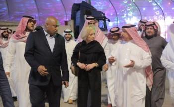 نائبة السفير الاميركي تزور مهرجان كلنا الخفجي الثامن