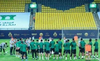 الأخضر يبدأ تدريباته في الرياض