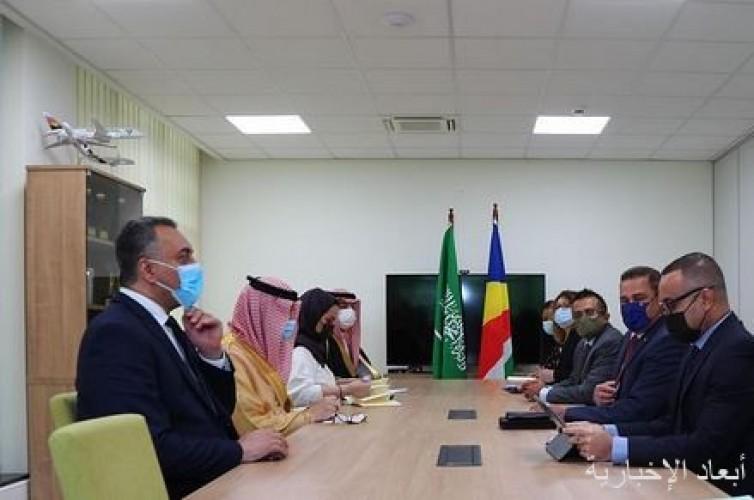 وزير الدولة لشؤون الدول الإفريقية يعقد جلسة مباحثات رسمية مع وزير خارجية سيشل