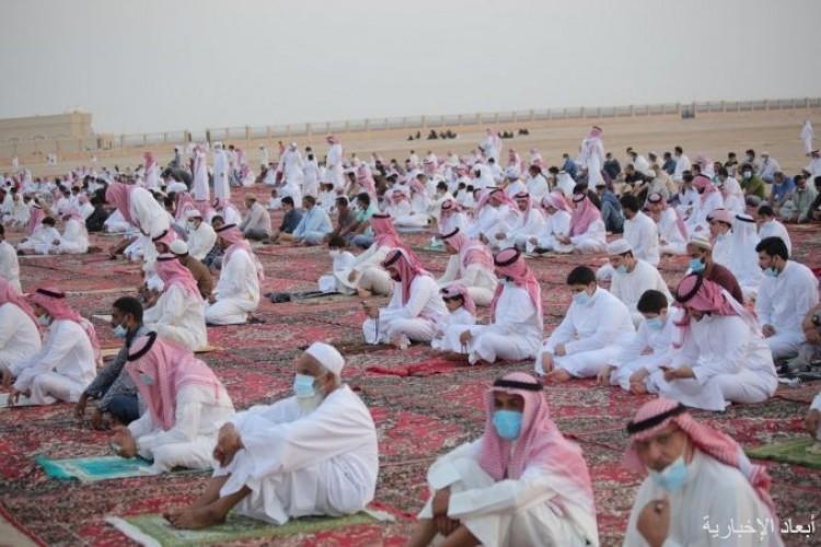 بالصور.. المصلون يؤدون صلاة عيد الاضحى في 34 جامع ومسجد ومصلى بالخفجي