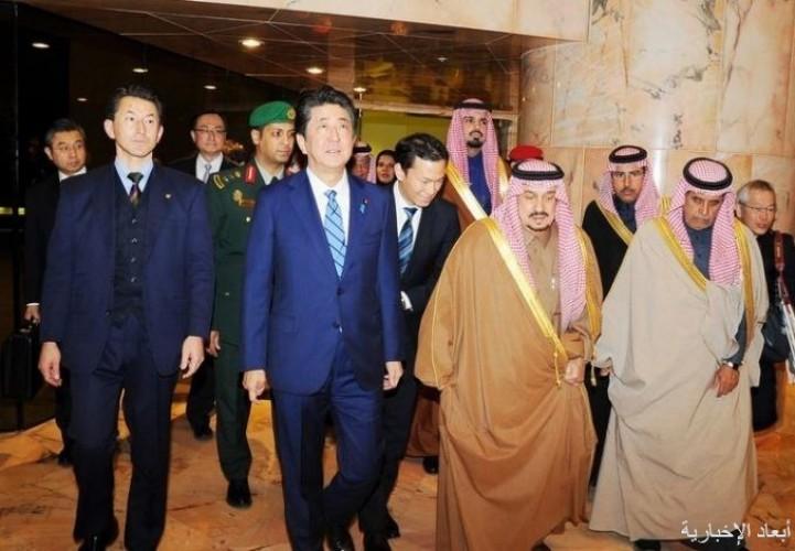 رئيس وزراء اليابان يصل العاصمة الرياض