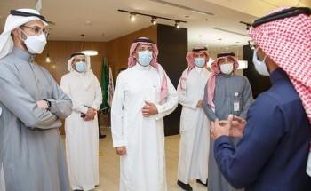 وزير الصناعة يلتقي برواد الأعمال بالمدينة المنورة خلال زيارته لمركز دعم المنشآت