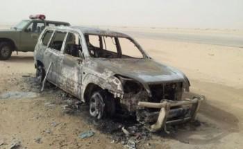 الدفاع المدني يخمد حريق إندلع في سياره