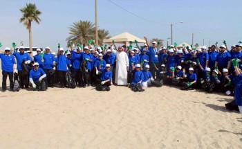 متوسطة هارون الرشيد تشارك في نشاط تنظيف شواطئ السفانية