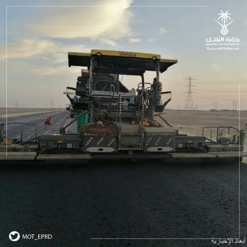 نقل الشرقية تنهى أعمال طبقة الإسفلت الأولى بطريق أبوحدرية الخفجي