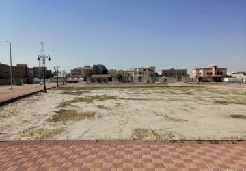 أهالي حي عشيرق يطالبون بالإهتمام بحديقة الحي وتوفير إحتياجاتهم منها