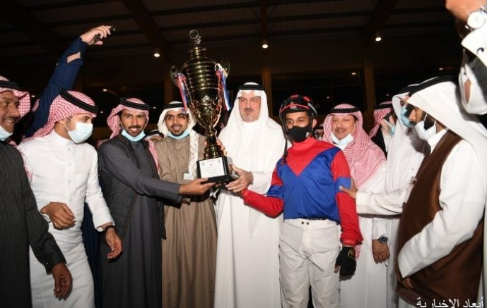 الأمير بندر بن خالد يزور ميدان فروسية الخفجي ويعلن دعم جوائزه بـ100 ألف ريال
