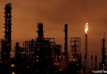 العمليات المشتركة تبدأ في تنفيذ قرار إيقاف إنتاج النفط في حقل الخفجي مؤقتاً